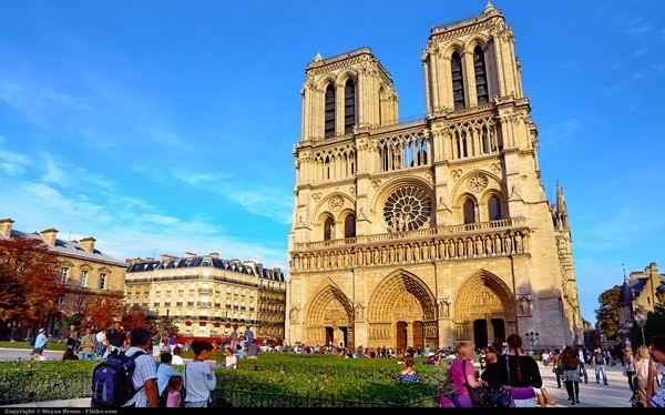 Most Iconic Buildings Notre Dame de Paris